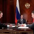 """""""Что бы кто ни говорил, если будут предлагать поставку техники, которая вас не устраивает, от неё нужно отказываться. Размещайте контракты в других компаниях. В конце концов, закупайте её по импорту"""", -- заявлял в прошлом году президент Медведев. А что думаете вы?"""