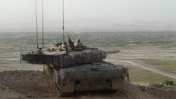 ОБТ Leopard 2A6 (с) Krauss-Maffei-Wegmann