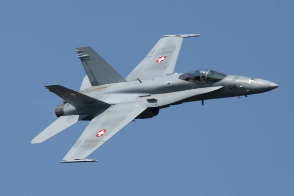 Истребитель Boeing F/A-18C ВВС Швейцарии (с) defpost.com