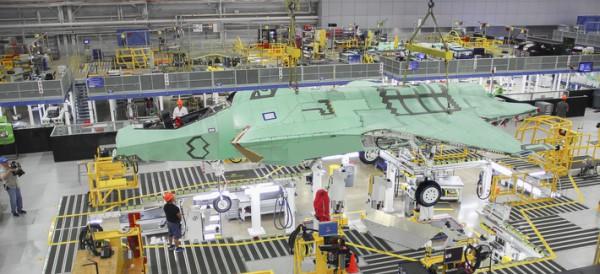 Производство истребителя F-35 (c) Lockheed Martin
